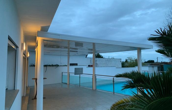 Terrasse au bord de la piscine 30€