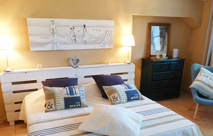 Charming bed and breakfast in Cotignac - Private jacuzzi option and breakfast €190.00