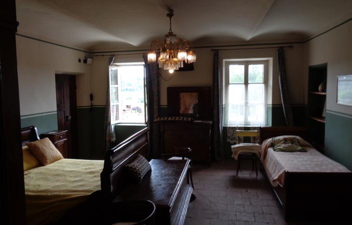 Chambre 2: chambre triple 90€