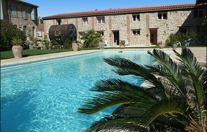 GITE avec piscine sauna hamman spa 78,00€