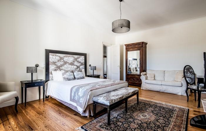 Château 530 m²  - 6 chambres - 15 km de Bordeaux 900,00€