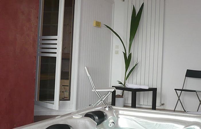 Chambre d'hôte de charme à Cotignac - Option jacuzzi privé et petit déjeuner 190,00€