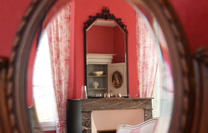 La Maison de Tournefeuille : la Chambre Rose  150,00€