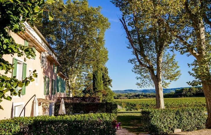 Encantador bed and breakfast en Cotignac - Opción de jacuzzi privado y desayuno 190,00€